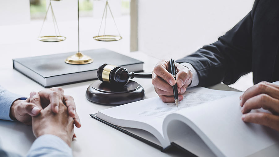 Tips på advokater genom offertförmedling